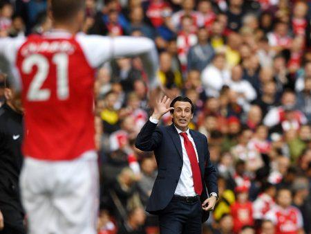 Kaatuiko Unai Emery Arsenalissa koomiseen englantiinsa ja sen takana olleisiin ongelmiin?