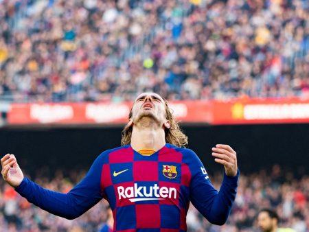 120 miljoonan supertähti on Barcelonassa kuin neliön pala, joka yrittää mennä läpi kolmiosta