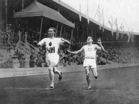 Hannes Kolehmainen juoksi Suomen tielle, joka romutti ammattilaisurheilun