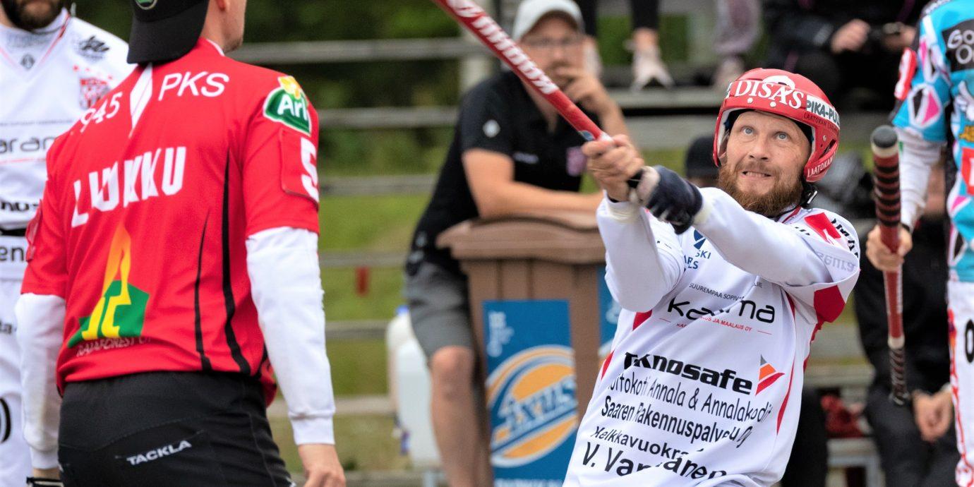Sami Partanen on pesäpallokenttien ilopilleri, mutta hymyn takana on myös tylyä jäätä