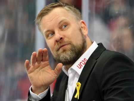 Kärpät on kaukalossa hukassa, koska Mikko Manner ei puutu pelaajien virheisiin