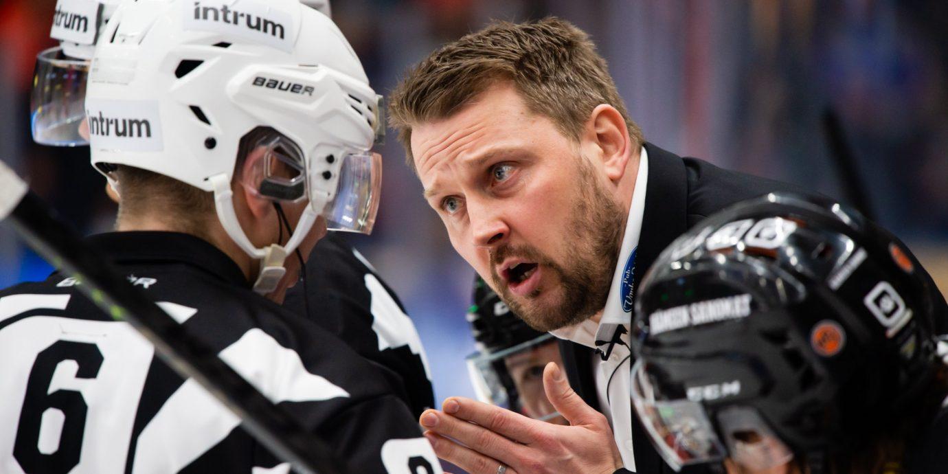 Nuoret Leijonat poikkeusoloissa MM-taisteluun – nyt punnitaan etenkin Antti Pennasta