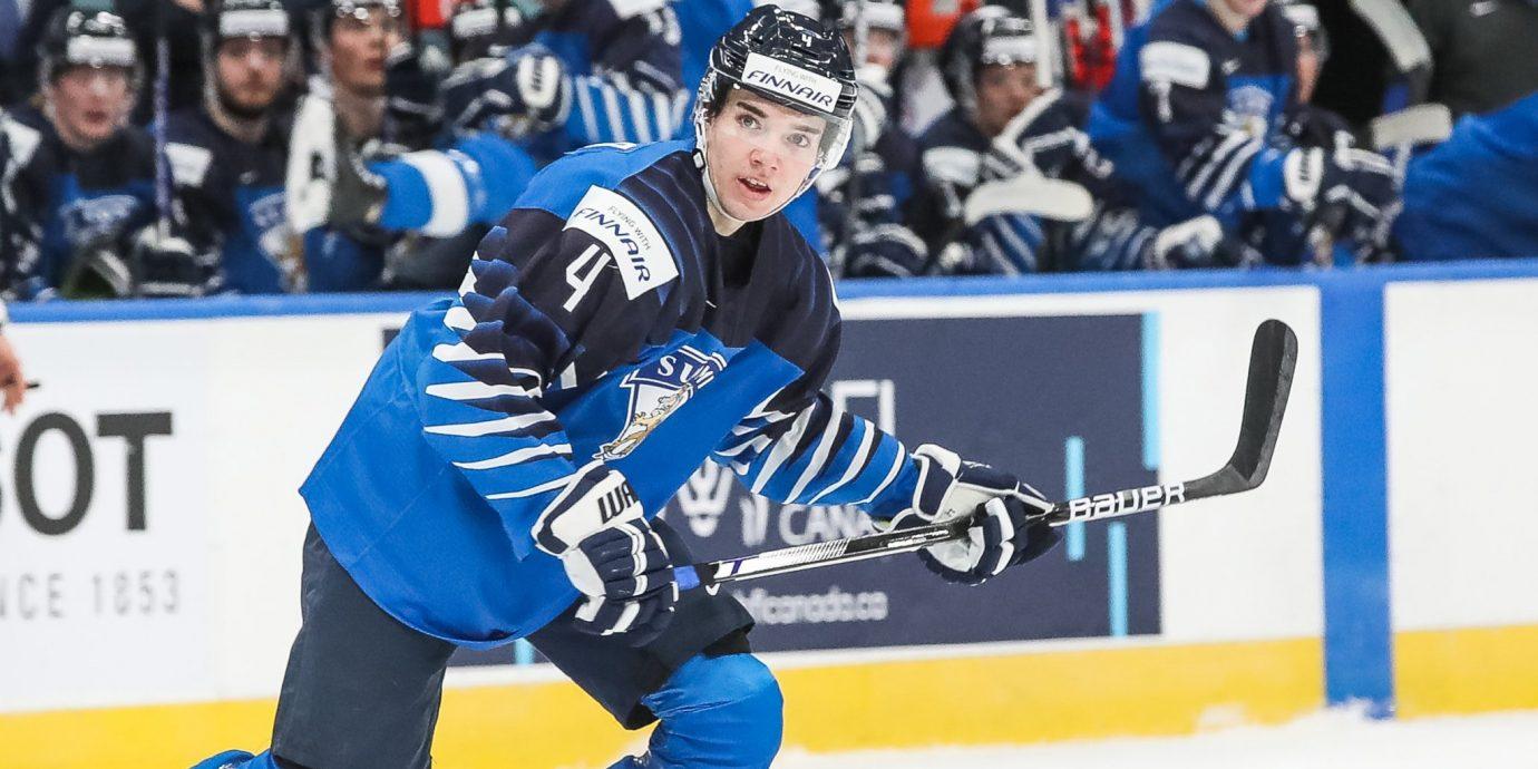 Ville Heinola on NHL-tason puolustaja, mutta Nuorissa Leijonissa ei ole nähty vielä parasta