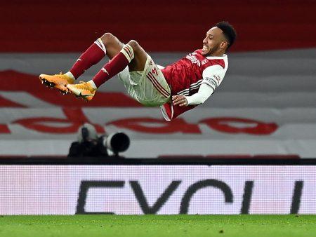 Arsenal lentää kovassa nousukiidossa – Özilin korvaaja löytyi omasta korttipakasta