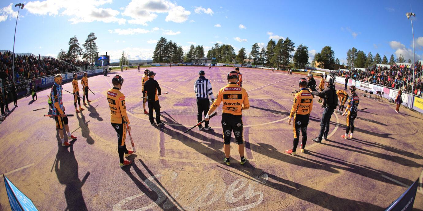 Pesäpalloliitto miettii ensi vuoden loppuotteluiden pelaamisesta Olympiastadionilla