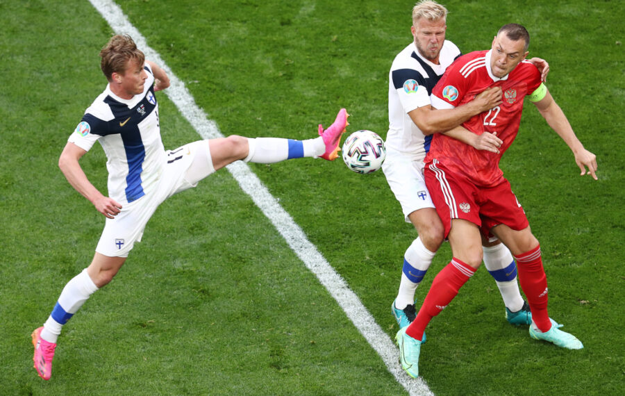 Rasmus Schüller oli Huuhkajien heikko lenkki, joka muutti joukkueen puolustamista merkittävästi