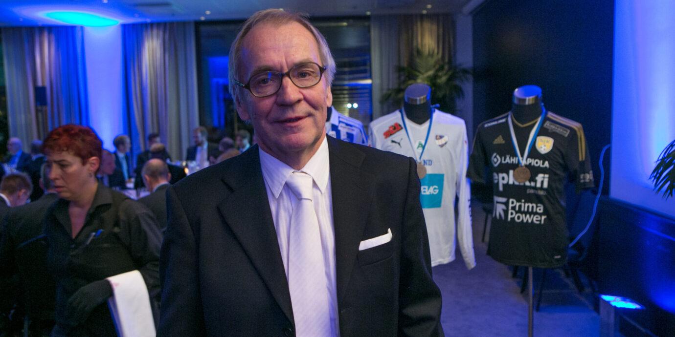 Martti Kuusela syötiin A-maajoukkueesta vuoden 1988 EM-karsintojen aikana