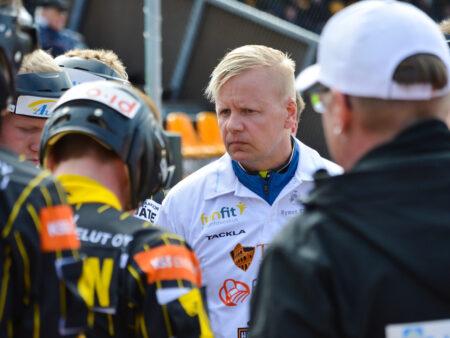 Jukka Mäkinen kääntyi kuoleman porteilta takaisin ja johtaa nyt kauden yllättäjää
