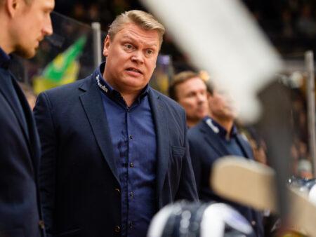 Pekka Virta ihmettelee, millä aaltopituudella NHL-kiekosta Suomessa välillä puhutaan