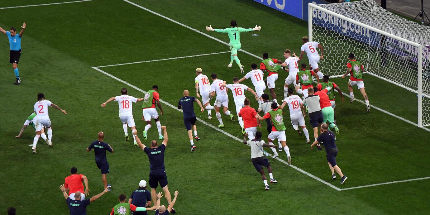 Huikeat maalikarnevaalit päättyivät sensaatioon – Ranskan laulut on näissä kisoissa laulettu