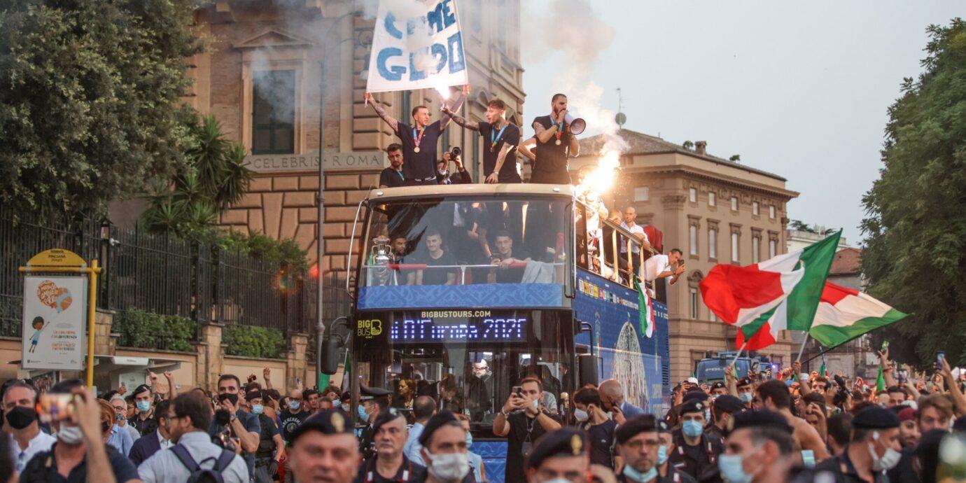 Italia esitti Euroopan mestaruudellaan jalkapallolle kysymyksen: Mihin tarvitaan maalitykkiä?