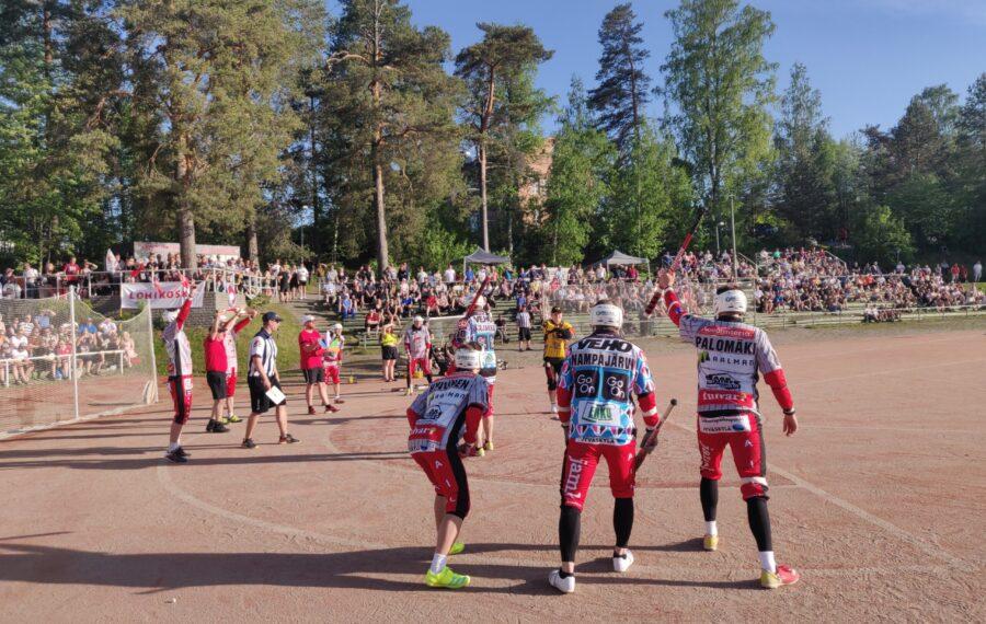 Jyväskylän Lohi on upea tarina erilaisesta pesäpallokulttuurista ja vastavoimasta